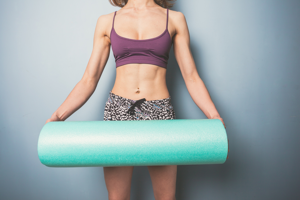 foam rollers, what is a foam roller, how to use a foam roller, the benefits of foam rollers, sore muscles, how to fix sore muscles, what to do when your muscles are sore, how to loosen sore muscles